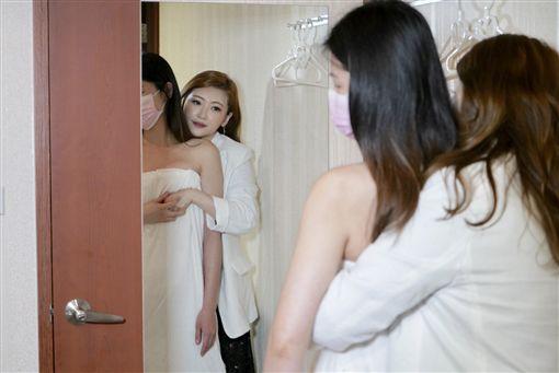 喬奶女王Vicky,隆乳,胸部按摩,乳房按摩(記者郭奕均攝影)