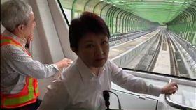 盧秀燕試乘台中捷運。