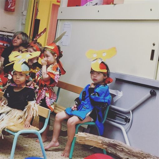 艾莉絲參加女兒「梨梨醬」幼稚園的母親節活動,有感而發。(圖/艾莉絲IG)