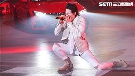 蕭敬騰為新車活動擔任表演嘉賓,嗨唱數首經典歌曲。(圖/記者林士傑攝影)