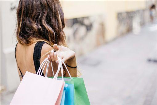 購物,提袋。(圖/Pixabay)