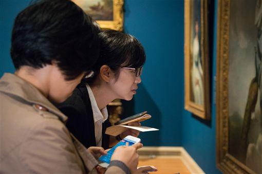 奇美博物館推實境遊戲 展場解謎更有趣奇美博物館推出實境遊戲「穹頂計畫」,將傳統展覽場域轉化為流行潮空間,透過手機科技與互動遊戲,創造全新看展體驗。(奇美博物館提供)中央社記者楊思瑞台南傳真 108年5月9日