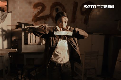 《台北電影節》,林依晨與活屍群爭奪珍貴的影展電影票。(圖/台北電影節提供)
