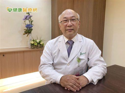 台南市立醫院牟聯瑞醫師與台灣肝病醫療策進會偕同呼籲,有C肝家族背景及尚未篩檢的民眾,應及早就醫篩檢,降低罹患肝癌的風險。