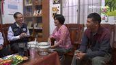 移民署探訪新住民 提前送母親節祝福