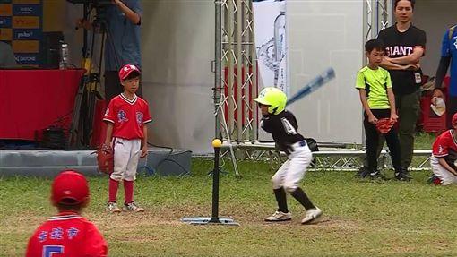 紅到國外!台灣7歲球員美技沒收滿貫砲 再揮全壘打灌4分 (竹風少年、陳韋宇圖/竹風少年授權提供