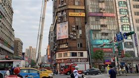 台北,南京東路二段,火警,商辦,餐廳。翻攝畫面