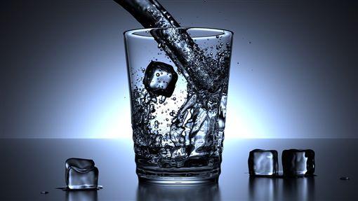 冰水 (示意圖/取自Pixabay)