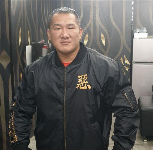 館長2018年10月送花籃給韓國瑜(圖/翻攝自韓國瑜臉書)