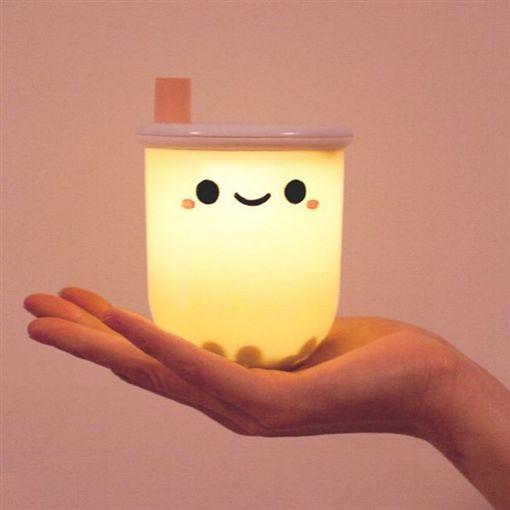 美國人超愛珍奶!超Q珍奶小夜燈 竟真的有珍珠可以玩圖/翻攝自smokonow IGhttps://www.instagram.com/smokonow/