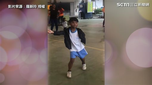 男童高超舞技驚豔全場 展現超完美律動!
