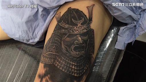 刺青師神改圖,將前女友改為凶狠的武士。