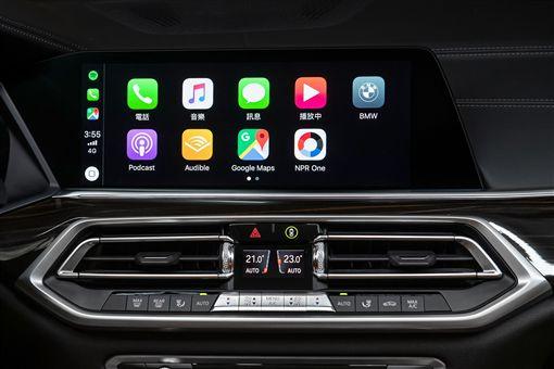 ▲2019年式BMW全車系配備獨家首創無線 Apple CarPlay。(圖/BMW提供)