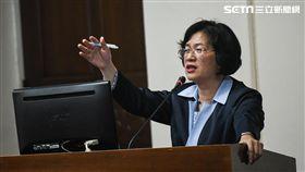 國民黨立委王惠美就農田水利會改官派一事於經濟委員會質詢。 圖/記者林敬旻攝