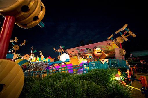 香港迪士尼,夜跑。(圖/樂園提供)