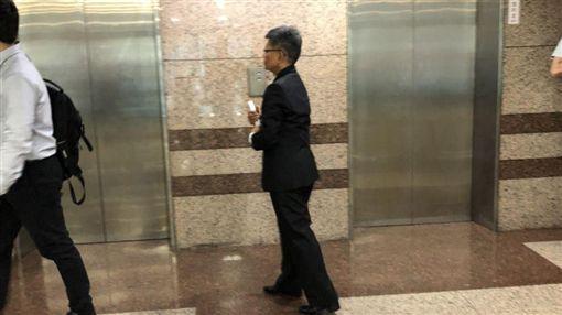 楊秋興陪同郭台銘出席吳郭會記者會。 圖/記者黃宣尹攝影