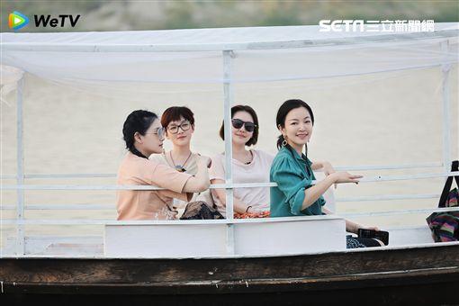 由大小S和好姐妹范曉萱與阿雅一起合體主持的實境旅遊節目《我們是真正的朋友》圖/WeTV提供