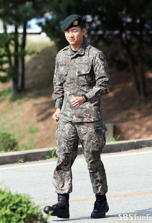 2PM,玉澤演,當兵,退伍/翻攝自SBS연예뉴스