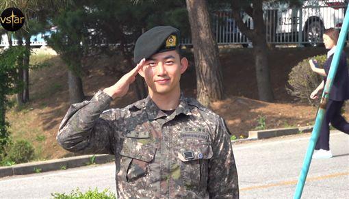 2PM,玉澤演,當兵,退伍/翻攝自Vstar YouTube