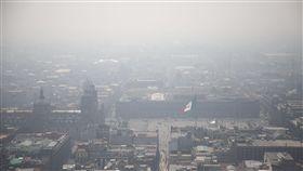 墨西哥市空汙警報!程度如一日抽6.5根菸 學校下令停課 圖/美聯社/達志影像