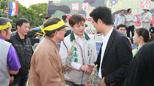 陳嘉爵(圖/翻攝自陳嘉爵臉書)