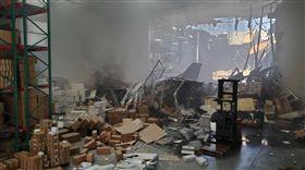 美國F-16戰機墜毀!駕駛及時逃生 無任何傷亡(圖/翻攝自Jeff Schoffstall臉書)