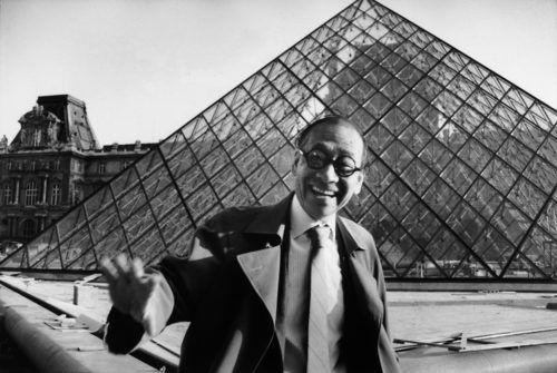 建築師貝聿銘曾獲有建築界諾貝爾獎美譽的普利茲克獎,被譽為「現代主義建築最後大師」,羅浮宮金字塔是他最為人津津樂道的作品之一。(圖/取自羅浮宮網頁presse.louvre.fr)