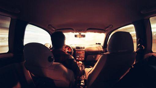 開車、駕駛、送貨員、司機/pixabay
