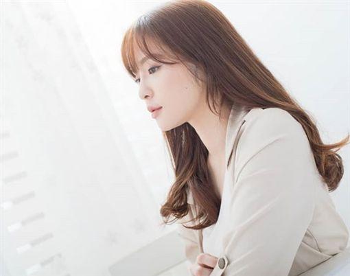 「珠寶店宋慧喬」超有料泳裝照曝光 親妹也超正(圖/翻攝自NINA IG)