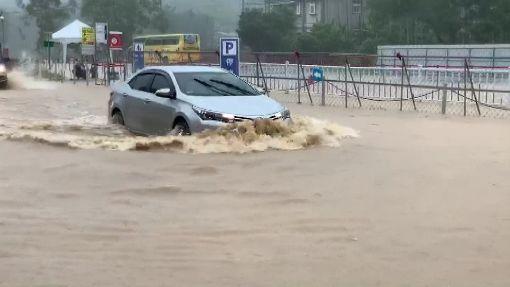 大雨下不停!南投埔里野溪 暴漲淹水