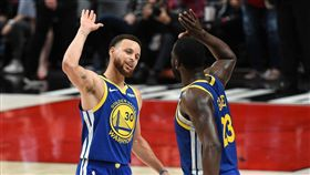 Stephen Curry,Draymond Green。(圖/翻攝自NBA官方推特)