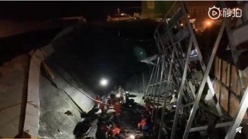 中國大陸,廣西「0776酒吧」坍塌(圖/翻攝自微博)
