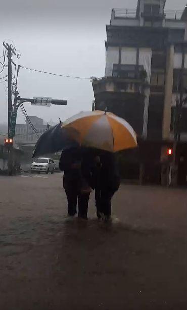 淹水,淡水,淡金路,下雨,鋒面