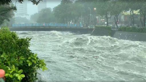 暴雨,台中,淹水,管制,災情
