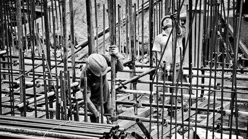 工人,冰櫃,屍體(圖/翻攝自Pixabay)