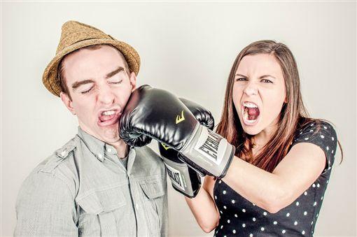 情侶 吵架 pixabay