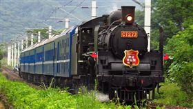 夏季郵輪式列車結合國寶蒸汽火車台灣鐵路管理局18日宣布,為推展鐵道旅遊,將於6月22日、30日及7月7日,分別開行3梯次3天2夜花東郵輪式列車,且將結合古董國寶級仲夏寶島號蒸汽火車。(台鐵提供)中央社記者汪淑芬傳真 107年3月18日