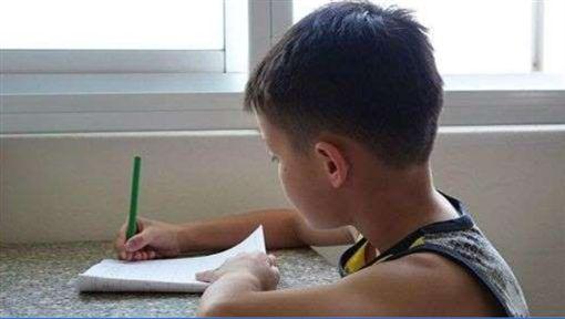 小孩,孩童,作業,(圖/PIXABAY)