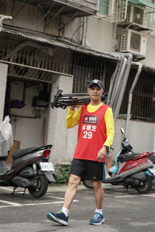 75歲征服世界六大馬拉松,林觀芝