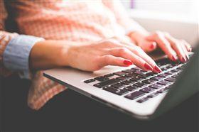 筆電,電腦,追劇,打遊戲(示意圖/翻攝自Pixabay)