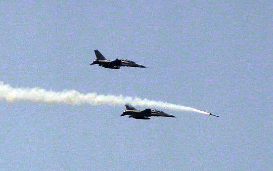 IDF經國號戰機發射劍一飛彈射擊命中目標。(圖/記者邱榮吉攝)