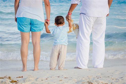 家庭,父母,小孩pixabay