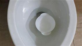 兒子,洗碗,馬桶,爆廢公社 圖/翻攝自臉書爆廢公社