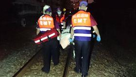 桃園,台鐵,列車,撞死,鐵軌,區間車(圖/翻攝畫面)