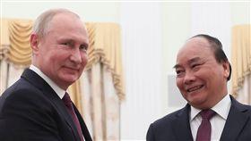 越南總理阮春福與俄國總理麥維德夫普丁會晤 圖/路透社/達志影像
