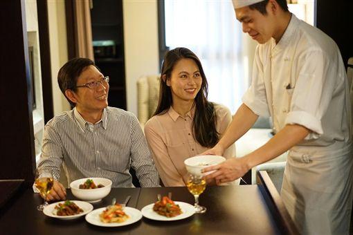 萬元就當豪宅主人 五星廚師到府做菜