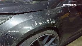 疑狗慘毀車1200