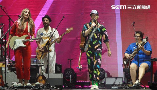 傑森·瑪耶茲 (Jason Mraz) 2019 亞洲巡迴演唱會台北站,台北小巨蛋開唱。(記者邱榮吉/攝影)