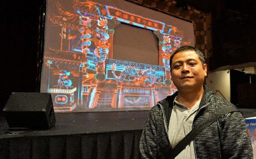 野台布袋戲式微 光雕投影創造新風貌新勝景掌中劇團第二代團主朱勝(玨)(圖)說,傳統的野台布袋戲「演給神明看」,觀眾越來越少,希望傳統文化跟3D動畫的光雕技術能讓布袋戲受到更多關注。中央社記者林宏翰洛杉磯攝 108年5月25日