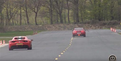 ▲Nissan GT-R對決Ferrari 458 Speciale Aperta(圖/翻攝網路)